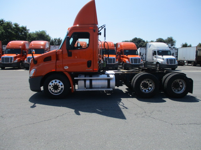 2011 Freightliner Cascadia for sale-59084982