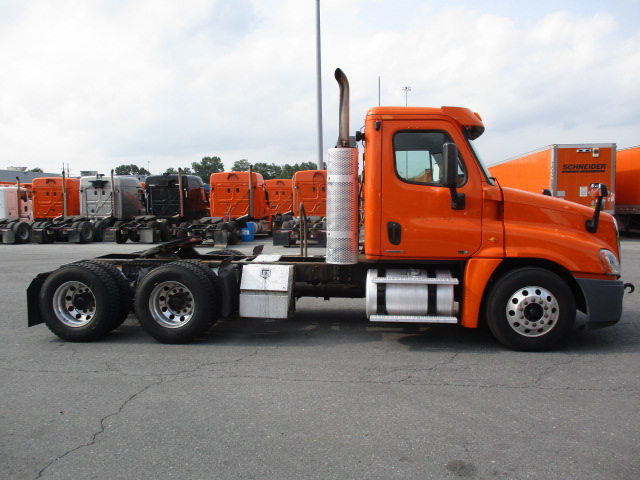 2011 Freightliner Cascadia for sale-59084981