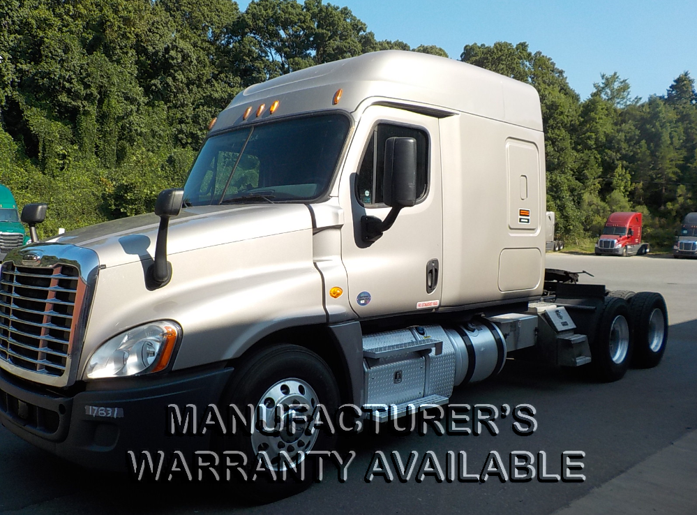 USED 2015 FREIGHTLINER CASCADIA EVO DAYCAB TRUCK #131472