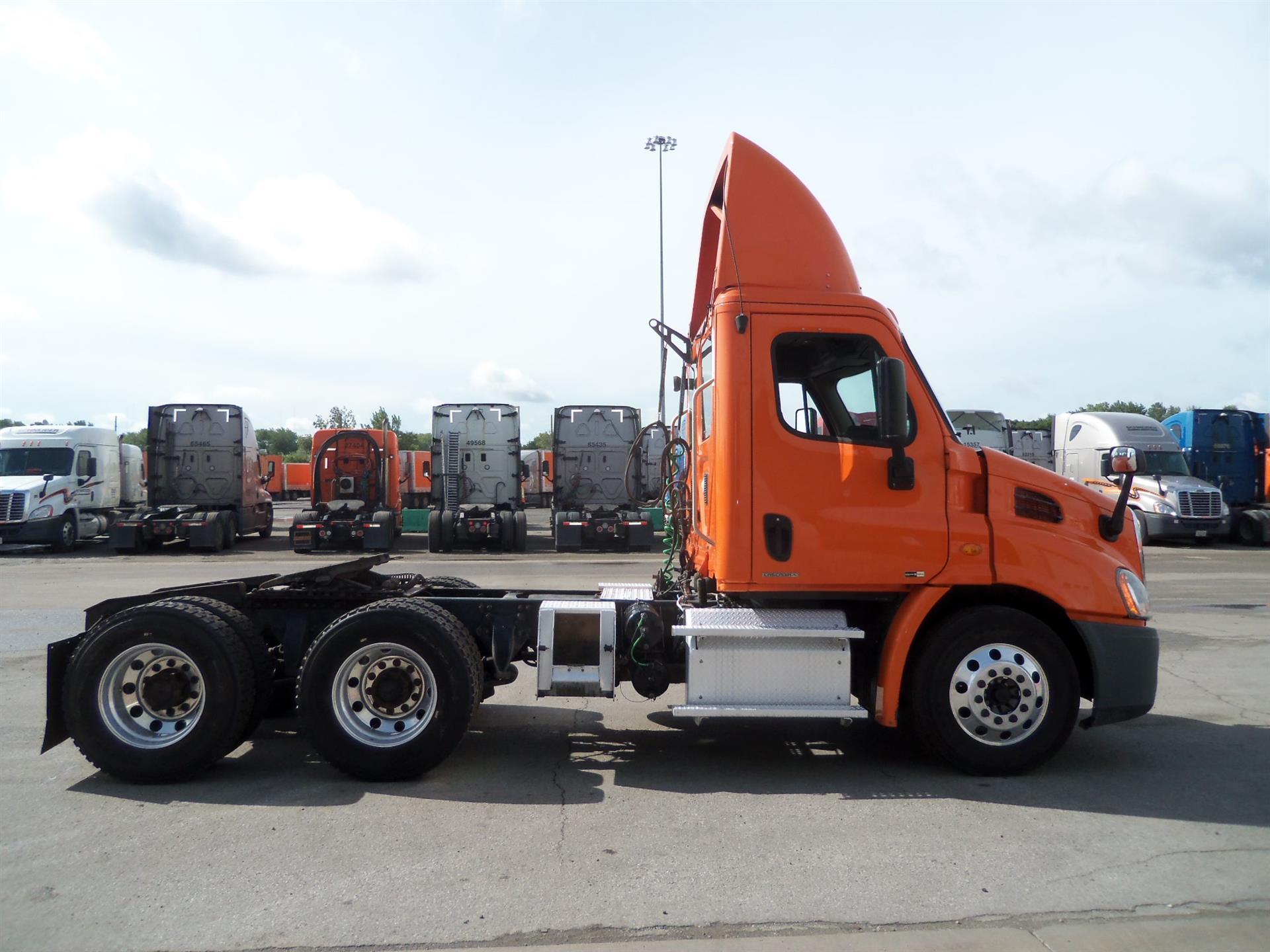 2011 Freightliner Cascadia for sale-59108565