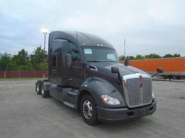USED 2016 KENWORTH T680 SLEEPER TRUCK #131749