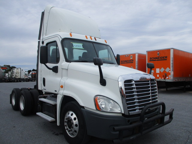 USED 2012 FREIGHTLINER CASCADIA DAYCAB TRUCK #132843