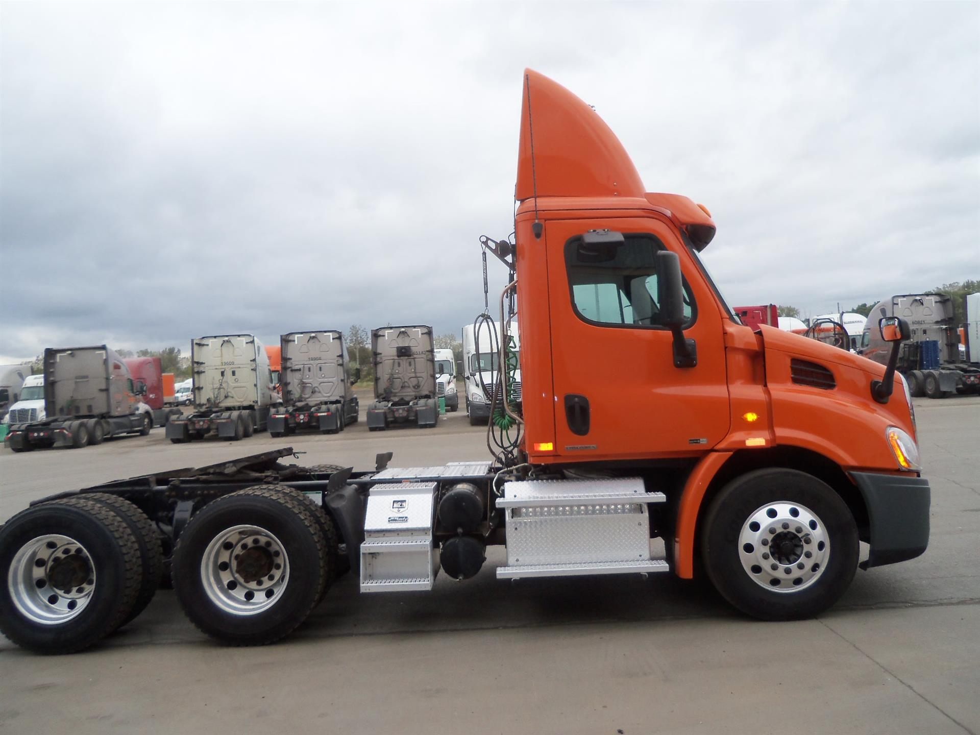 2012 Freightliner Cascadia for sale-59255873