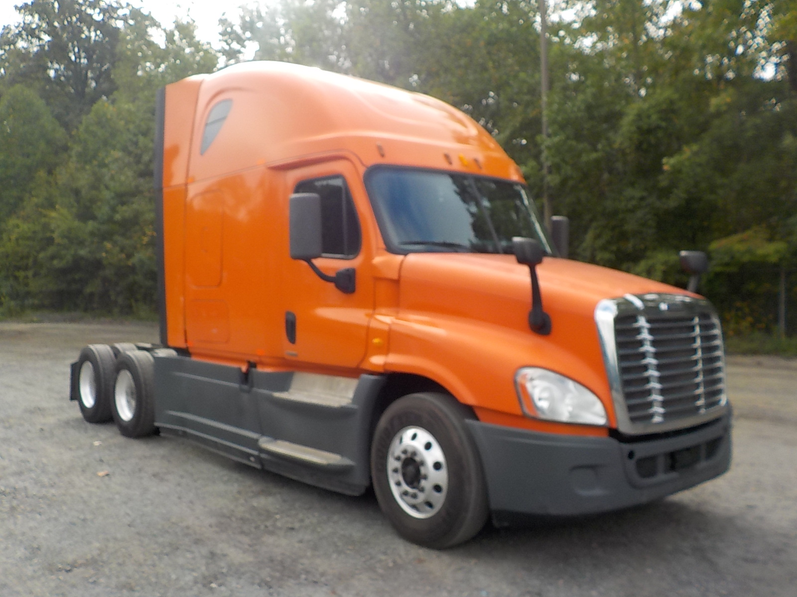 USED 2014 FREIGHTLINER CASCADIA SLEEPER TRUCK #133809