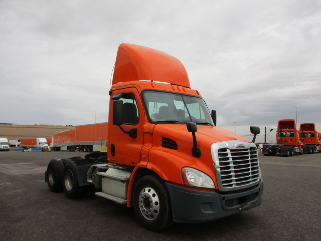 USED 2011 FREIGHTLINER CASCADIA DAYCAB TRUCK #133818