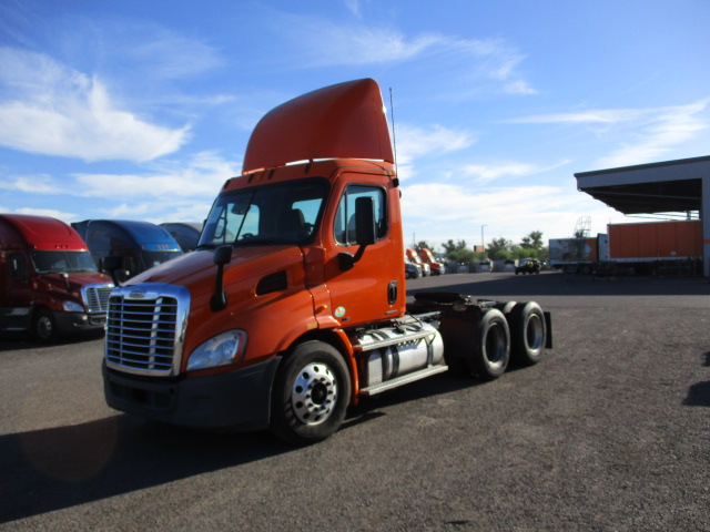 USED 2011 FREIGHTLINER CASCADIA DAYCAB TRUCK #133952