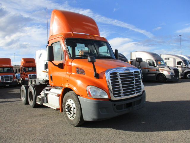 USED 2012 FREIGHTLINER CASCADIA DAYCAB TRUCK #134489