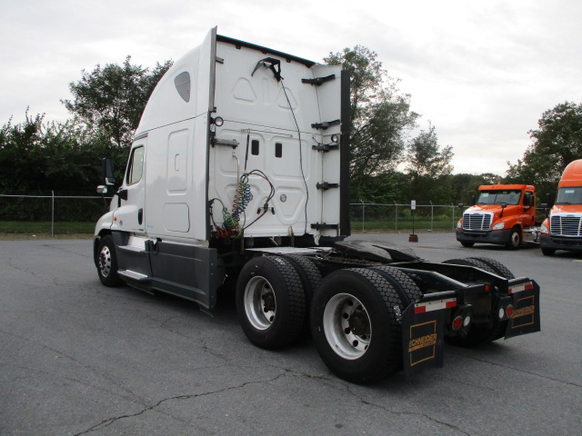 2015 Freightliner Cascadia for sale-59274488