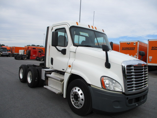 USED 2011 FREIGHTLINER CASCADIA DAYCAB TRUCK #134505