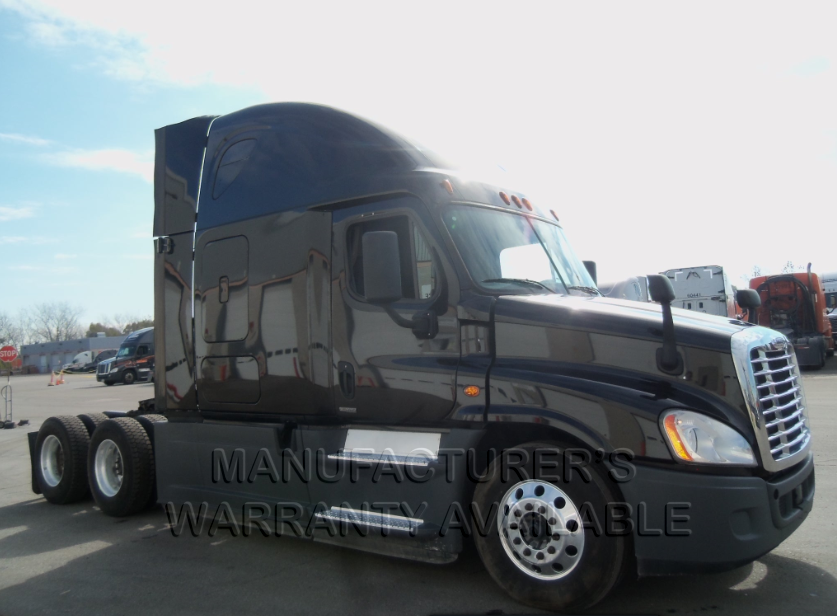 USED 2016 FREIGHTLINER CASCADIA SLEEPER TRUCK #135052