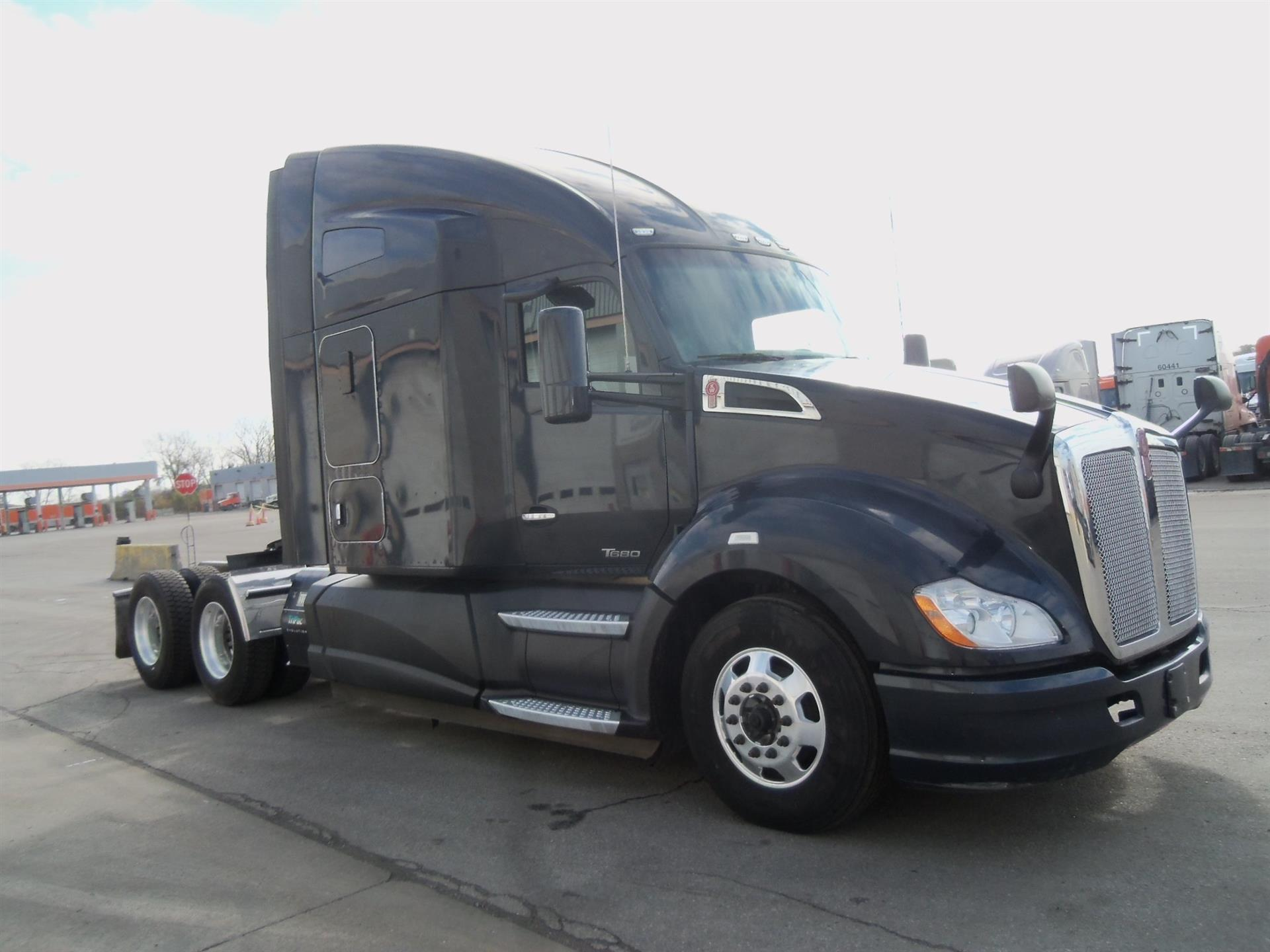 USED 2016 KENWORTH UNKNOWN SLEEPER TRUCK #135053