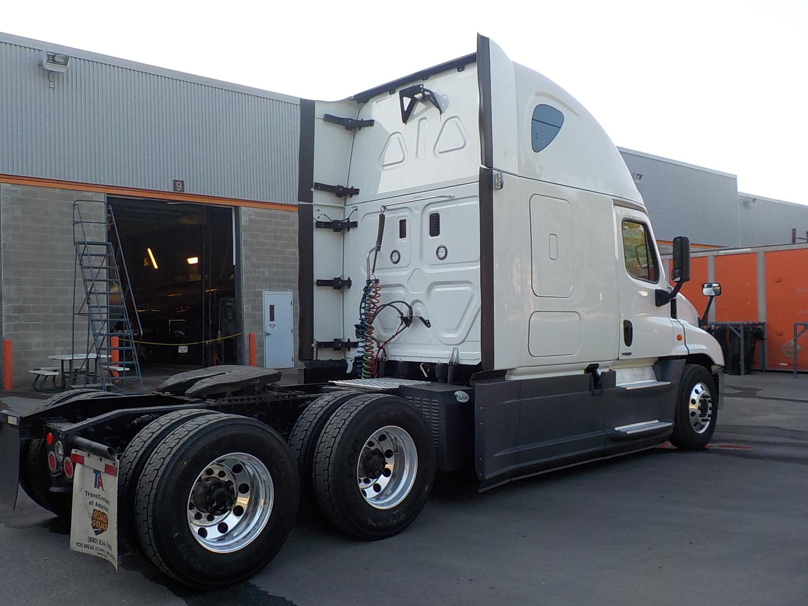 2016 Freightliner Cascadia for sale-59108705