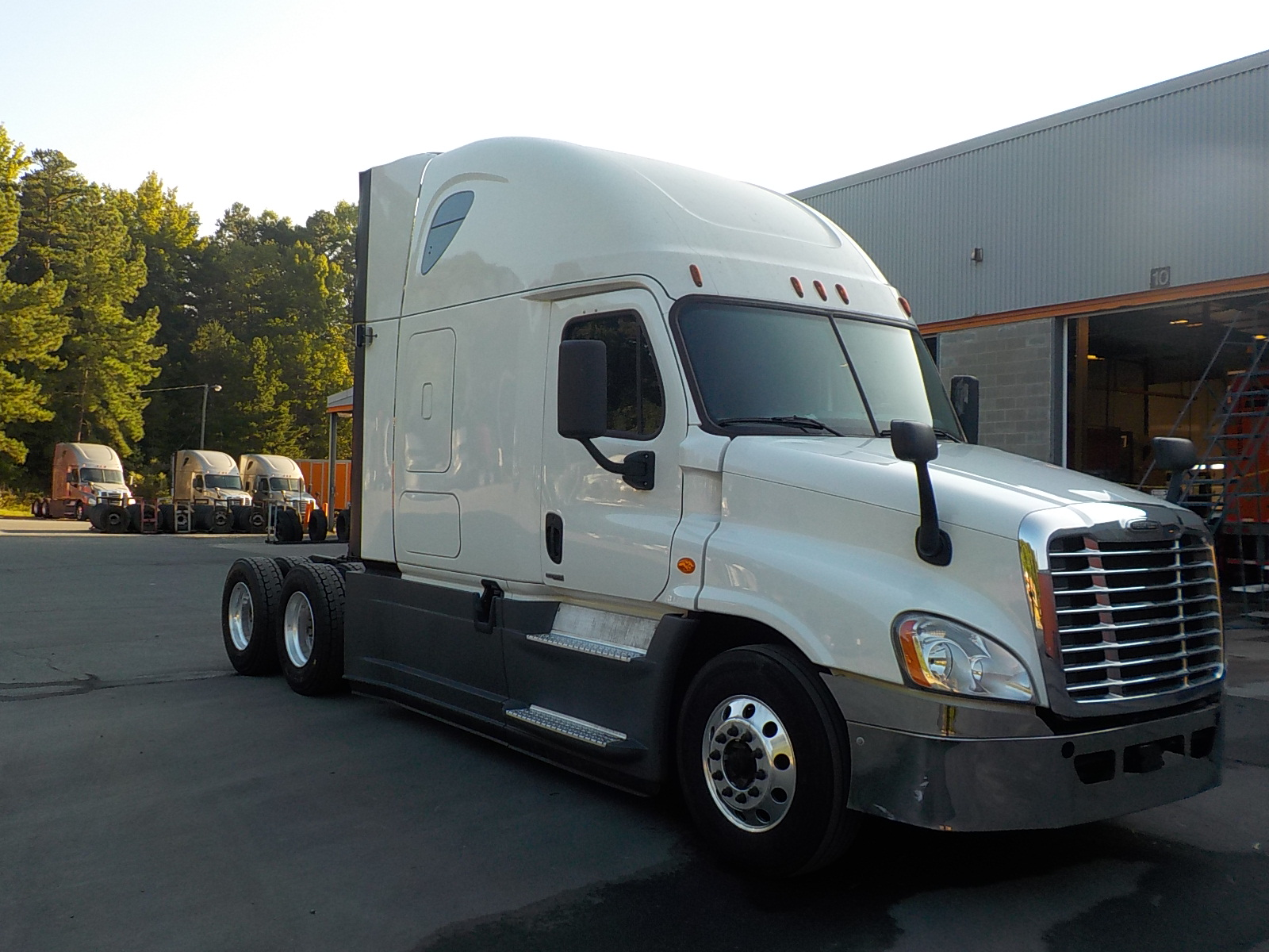 USED 2016 FREIGHTLINER CASCADIA DAYCAB TRUCK #134479