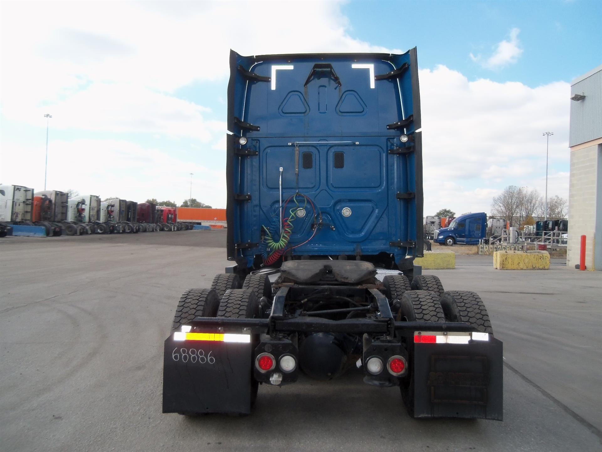 2014 Freightliner Cascadia for sale-59108790