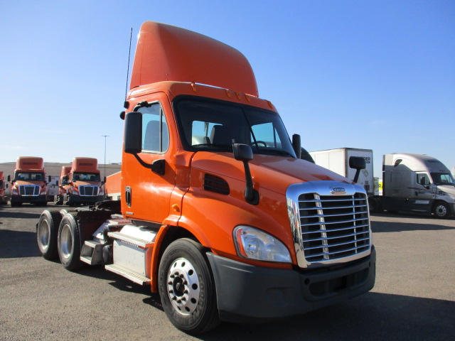 USED 2012 FREIGHTLINER CASCADIA DAYCAB TRUCK #135086