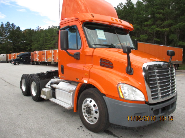 USED 2012 FREIGHTLINER CASCADIA DAYCAB TRUCK #135436