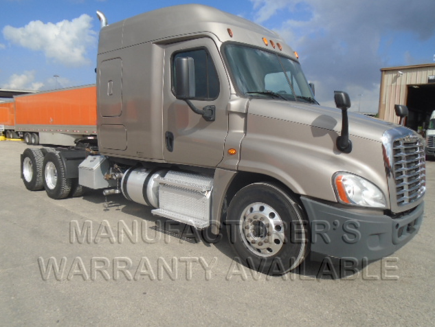 USED 2015 FREIGHTLINER CASCADIA SLEEPER TRUCK #135452