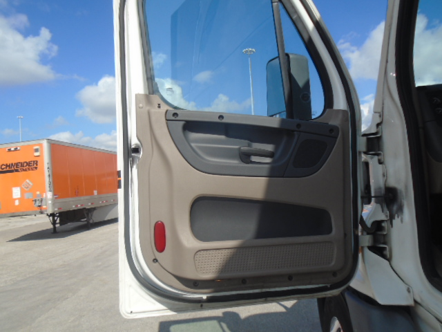 2014 Freightliner Cascadia for sale-59085295