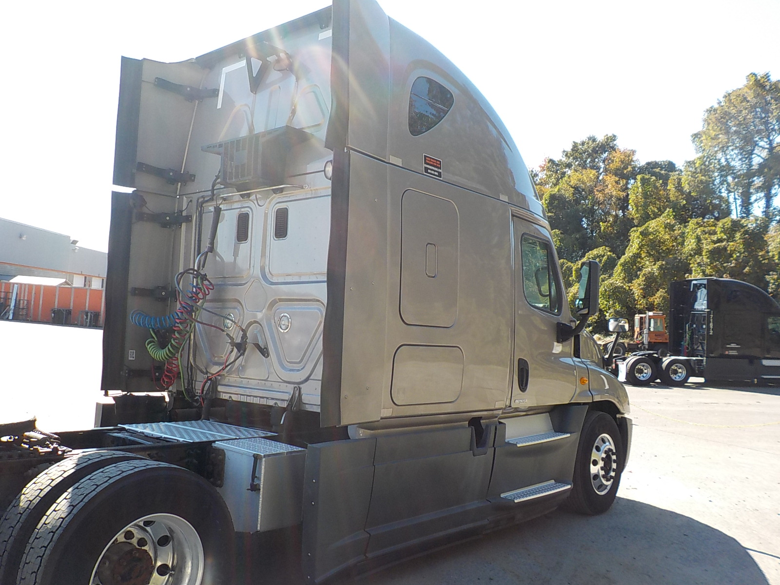 2014 Freightliner Cascadia for sale-59085316