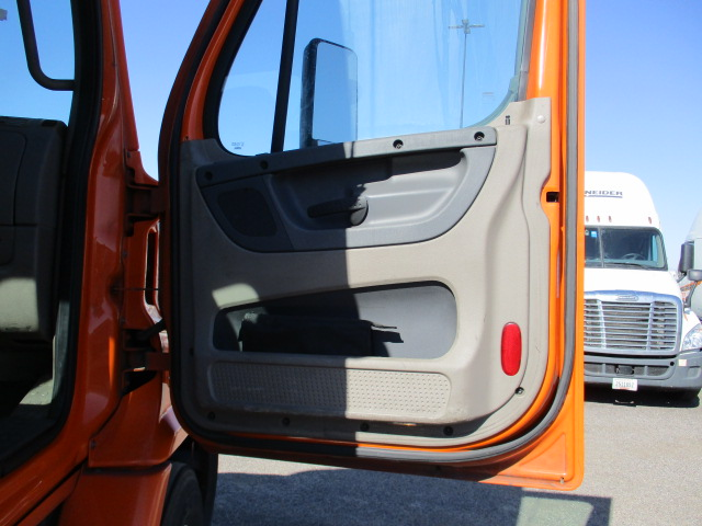 2012 Freightliner Cascadia for sale-59263626