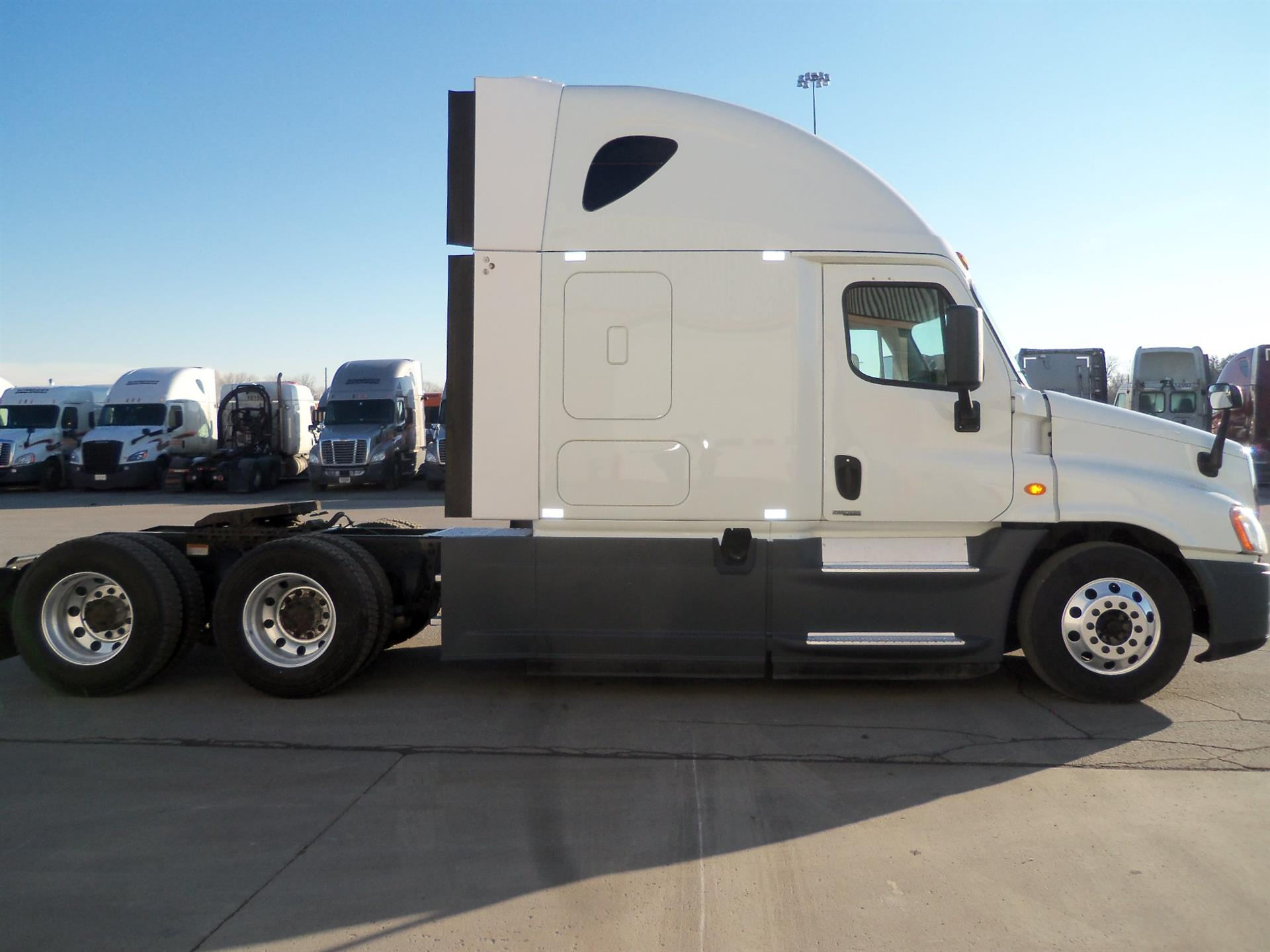 2015 Freightliner Cascadia for sale-59085337