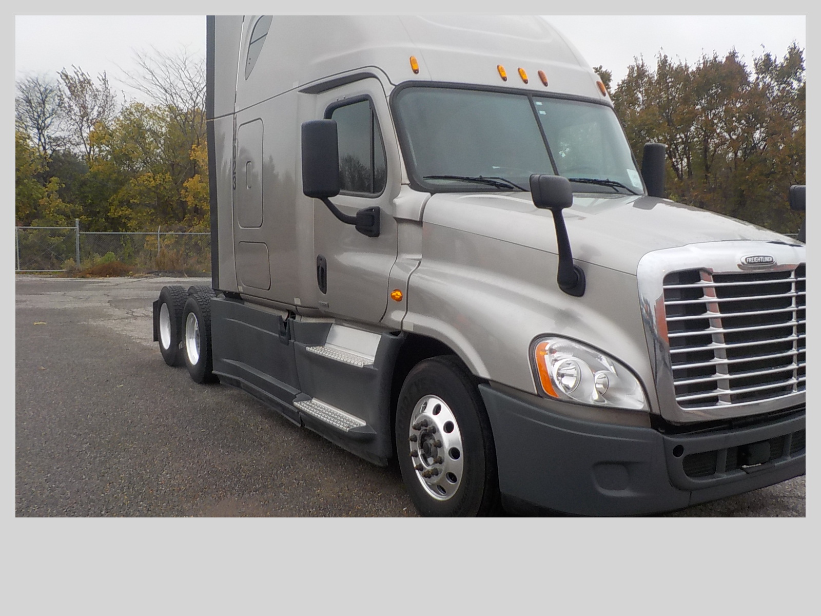 USED 2015 FREIGHTLINER CASCADIA SLEEPER TRUCK #84057