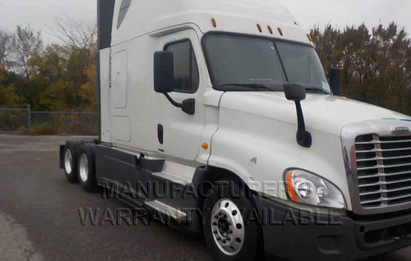 USED 2014 FREIGHTLINER CASCADIA SLEEPER TRUCK #84055
