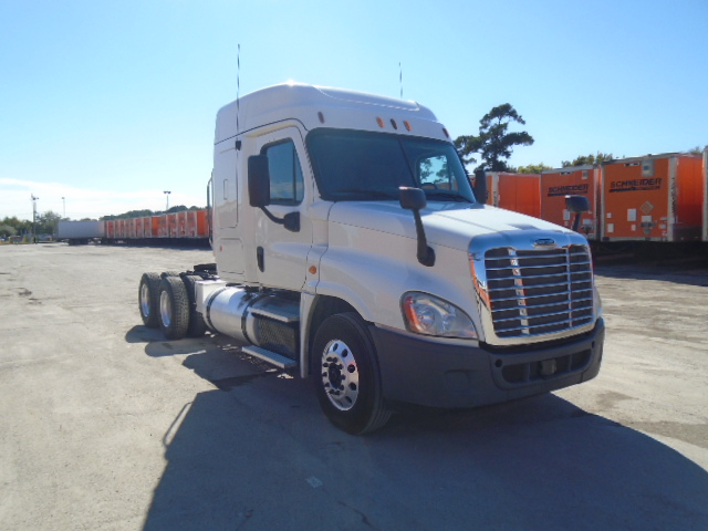 USED 2013 FREIGHTLINER CASCADIA DAYCAB TRUCK #84039