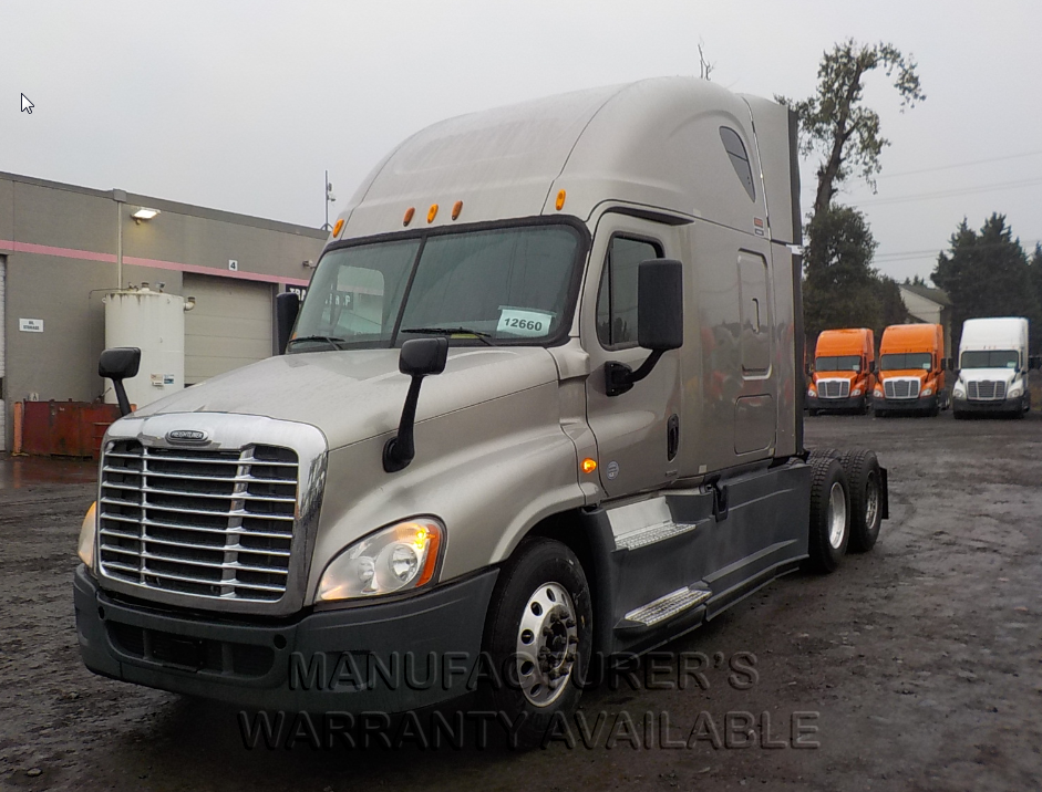 USED 2014 FREIGHTLINER CASCADIA SLEEPER TRUCK #84064