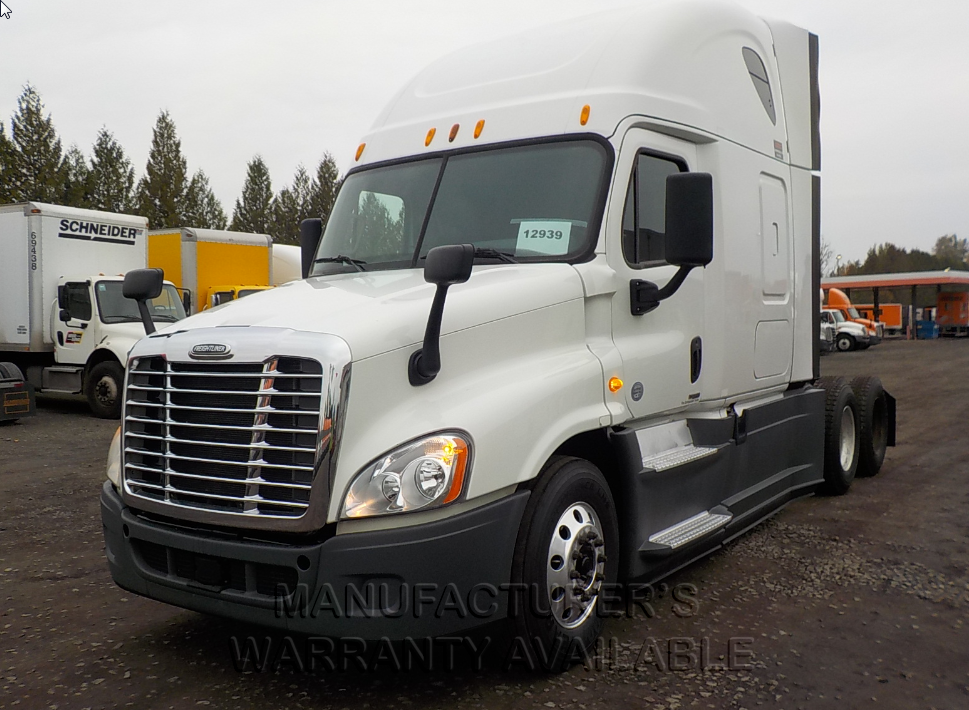 USED 2014 FREIGHTLINER CASCADIA SLEEPER TRUCK #136131