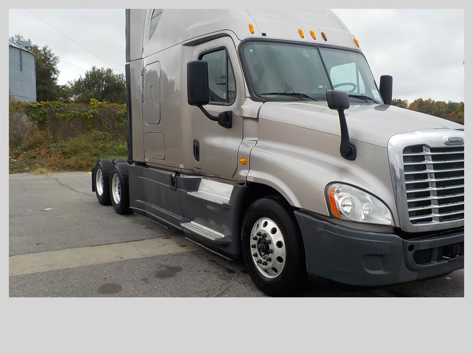 USED 2014 FREIGHTLINER CASCADIA SLEEPER TRUCK #83866
