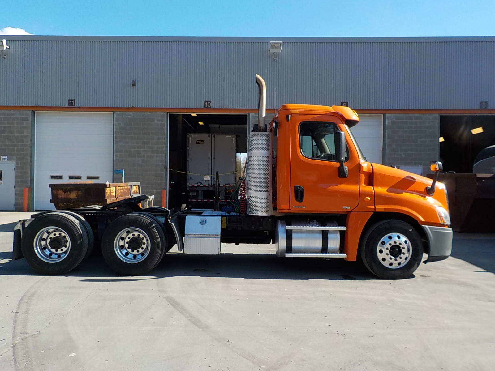 2011 Freightliner Cascadia for sale-59108951