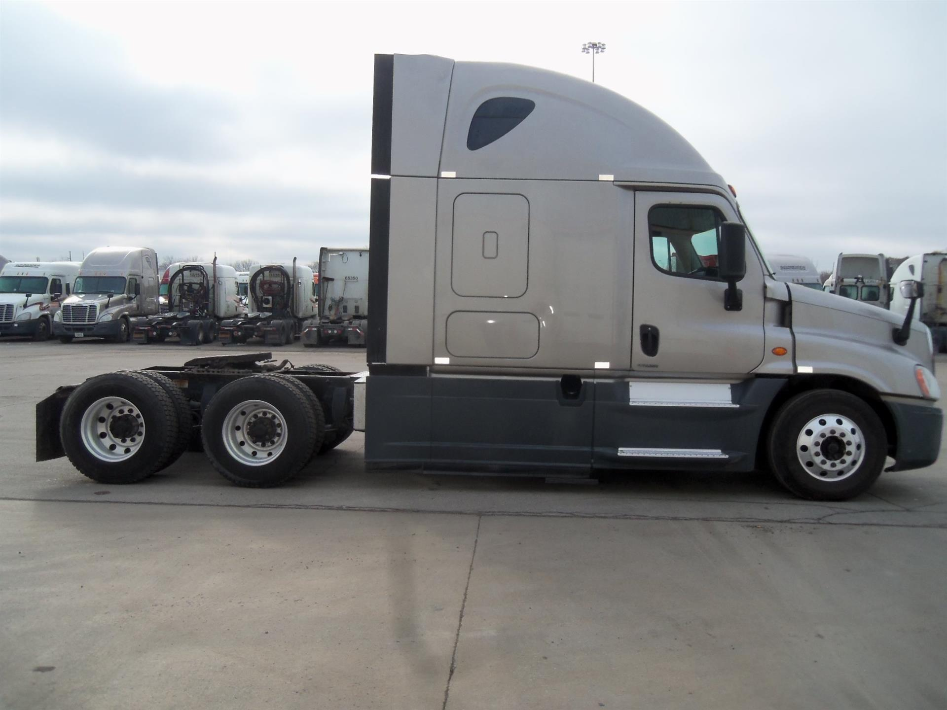 2015 Freightliner Cascadia for sale-59197147