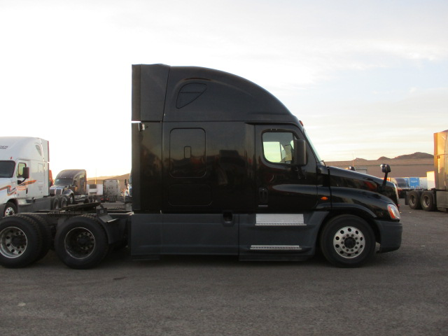2016 Freightliner Cascadia for sale-59087773