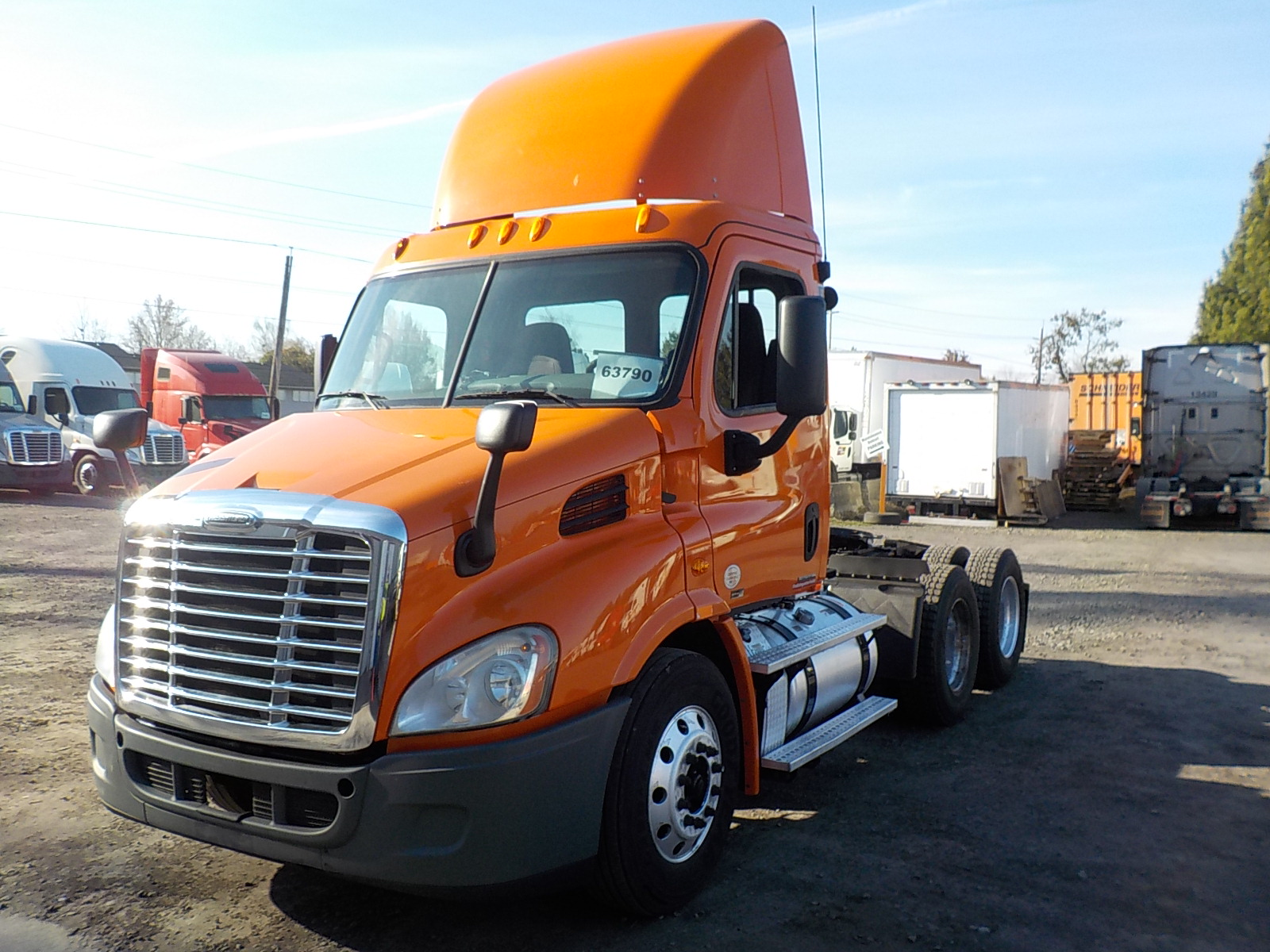 USED 2012 FREIGHTLINER CASCADIA DAYCAB TRUCK #136262