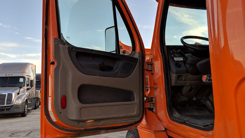 2013 Freightliner Cascadia for sale-59087779