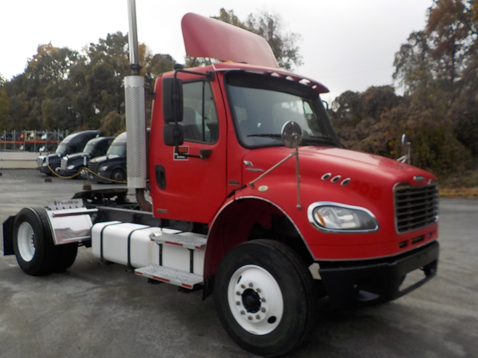 USED 2004 FREIGHTLINER UNKNOWN DAYCAB TRUCK #136190