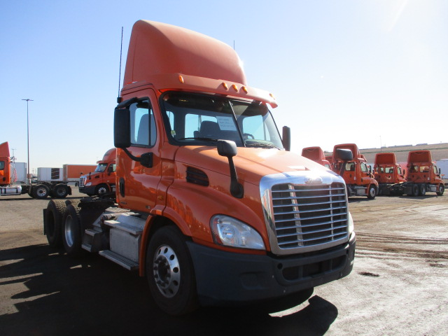 USED 2012 FREIGHTLINER CASCADIA DAYCAB TRUCK #136256
