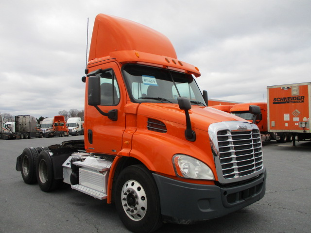 USED 2012 FREIGHTLINER CASCADIA DAYCAB TRUCK #136245