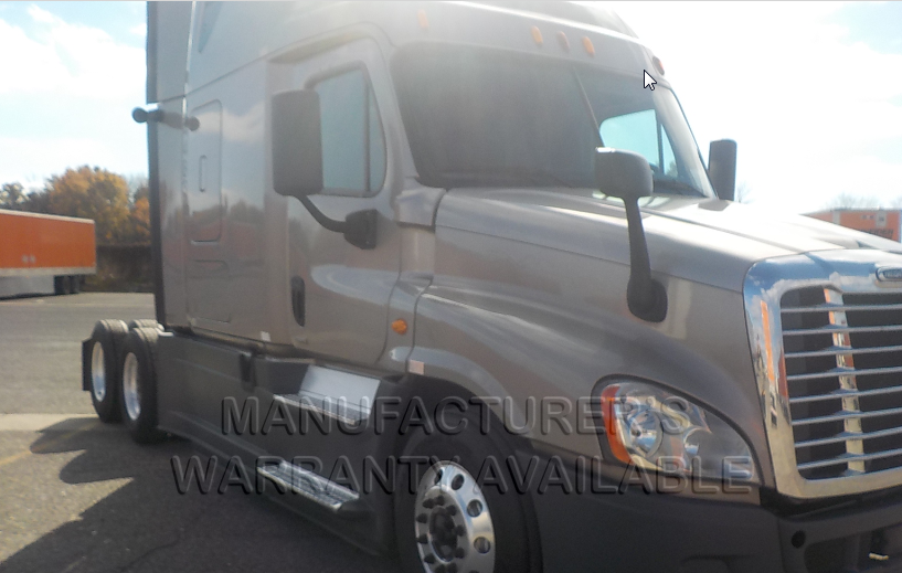 USED 2015 FREIGHTLINER CASCADIA SLEEPER TRUCK #136271
