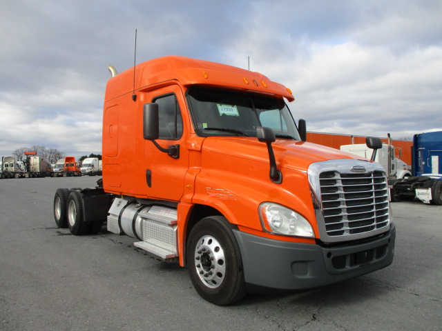 USED 2013 FREIGHTLINER CASCADIA SLEEPER TRUCK #136248