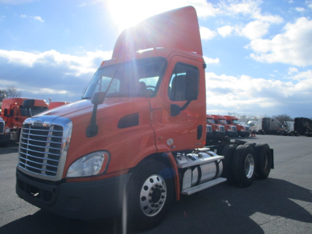 2011 Freightliner Cascadia for sale-59087810
