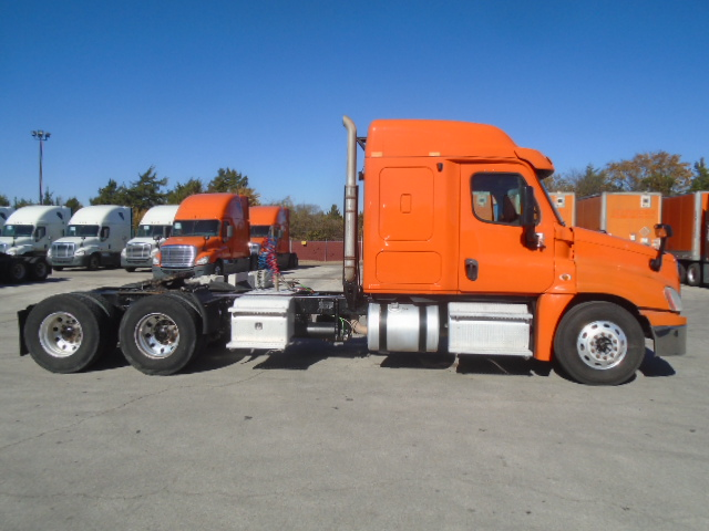 2013 Freightliner Cascadia for sale-59087780