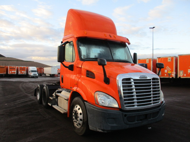 USED 2012 FREIGHTLINER CASCADIA DAYCAB TRUCK #136968
