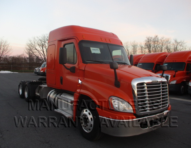 USED 2014 FREIGHTLINER CASCADIA SLEEPER TRUCK #136955
