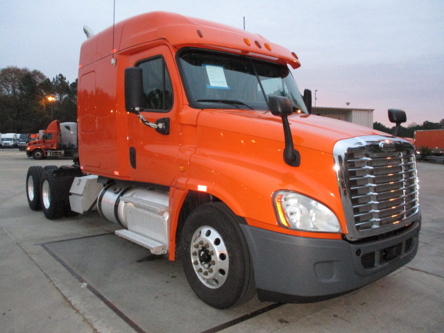 USED 2013 FREIGHTLINER CASCADIA DAYCAB TRUCK #84372