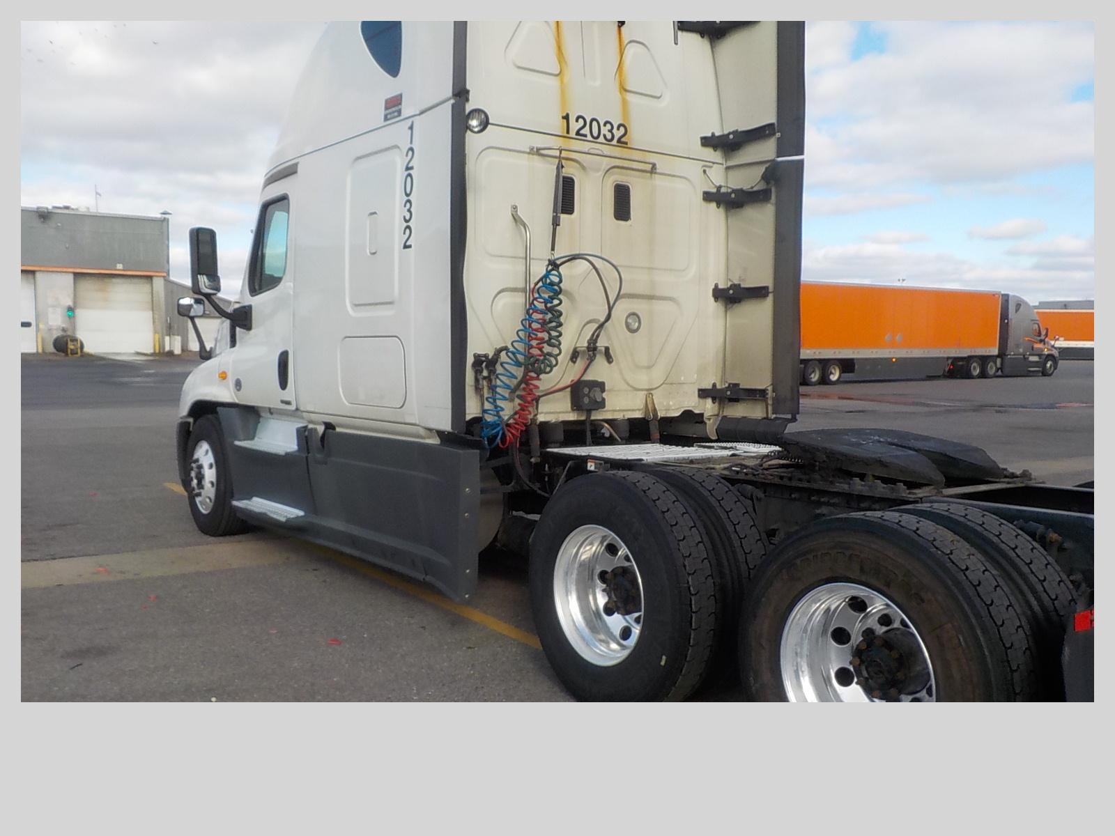 2014 Freightliner Cascadia for sale-59109088