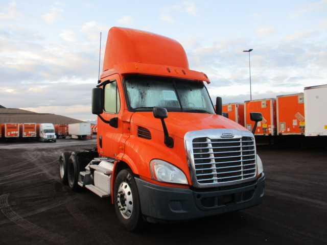 USED 2012 FREIGHTLINER CASCADIA DAYCAB TRUCK #138534