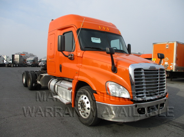 USED 2014 FREIGHTLINER CASCADIA SLEEPER TRUCK #138510