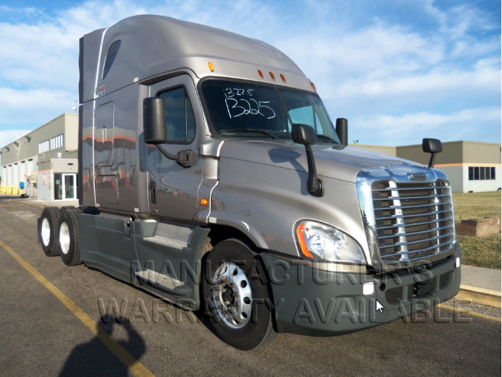 USED 2015 FREIGHTLINER CASCADIA SLEEPER TRUCK #138541